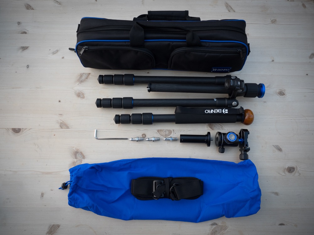 Benro FTA18C Travel Angel Tripod with carry bag and accessories